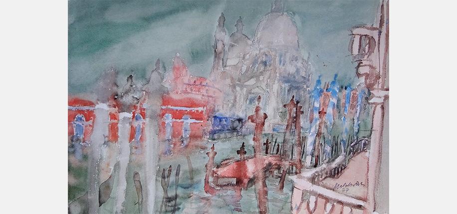 """<p>Kurt Moldovan, Blick auf Santa Maria della Salute in Venedig, 1977, 32,7 x 47,5 cm</p>  <p>Die Aquarellmalerei erfährt in Österreich mit dem Ende des Kaiserreichs 1918 eine große Wertschätzung, die bis heute von einer Künstlergeneration zur nächsten weitergegeben wird. Kurt Moldovan (1918 – 1977) war zunächst Graphiker und beginnt nach seinem Studium an der Wiener Kunstakademie zu aquarellieren. In seinen letzten Lebensjahren besitzt er ein Atelier in Venedig.</p>  <p>Am Beispiel """"Blick auf Santa Maria della Salute in Venedig"""" ist gut zu erkennen, wie wichtig die Wirkkraft des Wassers für Moldovan ist. Er selbst beschreibt seine Technik folgendermaßen: """"Strömungen, Wirbel, Tropfen, Schleier, Tümpel, Rinnsale, Flachseen − die """"action"""" des farbigen Wassers wird nach dem Antrocknen auf dem Papierbogen zu einem sinnlich wahrnehmbaren Bildgegenstand. Zum Beispiel Venedig: Transparent wie Einzeller schnellen Lampen vorbei. Ein Anlegesteg versickert im Algengrün. Die Salutekuppeln tauchen auf wie Medusen und Palazzi sind halbtrocken an Land gegangen. Als Wasserfarbenmaler bin ich neugierig, was mit der in Fluss gesetzten Farbe alles passieren kann, fordere Zufälle heraus und nütze sie augenblicklich für die Gestaltung meines Bildes. Wie ein Jongleur muss ich ununterbrochen meine Bälle unter Kontrolle halten, denn ich hantiere mit dem feuchten Farbfleck und zugleich mit seiner angetrockneten Form….</p>  <p>Das Antrocknen ungeduldig überschätzt, und die darüber gelegte Form zerfließt. Die Linie zu spät aufgesetzt, und sie fließt nicht mehr. Die falsche Farbe ausgespielt, und ich muss passen. Rien ne va plus. Nichts geht mehr!""""</p>  <p>Literaturauswahl: Walter Koschatzky, Die Kunst des Aquarells, 1989 Verborgene Schätze der österreichischen Aquarellmalerei, Katalog Wien 2010</p>"""